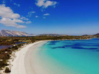 Pizza, Gastfreundlichkeit und Traumstrände: In unserem Reisebericht aus Sardinien stellen wir Euch die drittgrößte Insel im Mittelmeer näher vor. Foto: Sascha Tegtmeyer