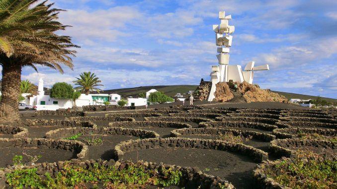 lanzarote reise cesar manrique Luisa Praetorius war im Lanzarote Urlaub und entdeckte auf der Kanareninsel Mars-Landschaften und das ultimative Tauch-Mekka. Foto: Pixabay