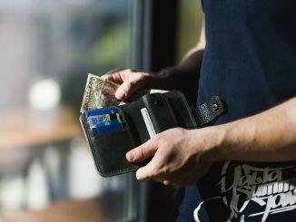 Reiseportemonnaies: Was leisten sichere Geldbeutel für den Urlaub und worauf solltet Ihr beim Kauf achten? Foto: Pexels