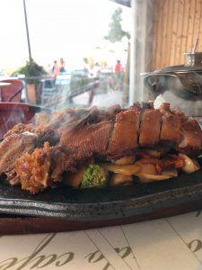 Bei Mr. Van gibt es frisch auf der heißen Platte zubereitete Ente – sehr lecker!