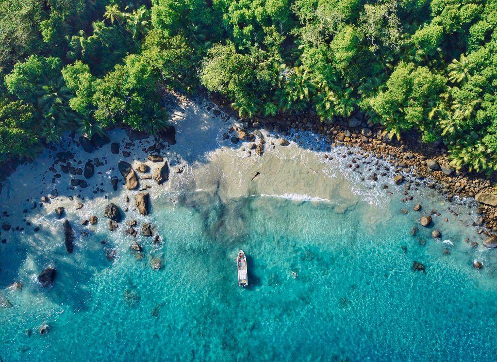 Glücklicherweise liegt die beste Reisezeit auf den Seychellen im europäischen Sommer. Foto: Unsplash