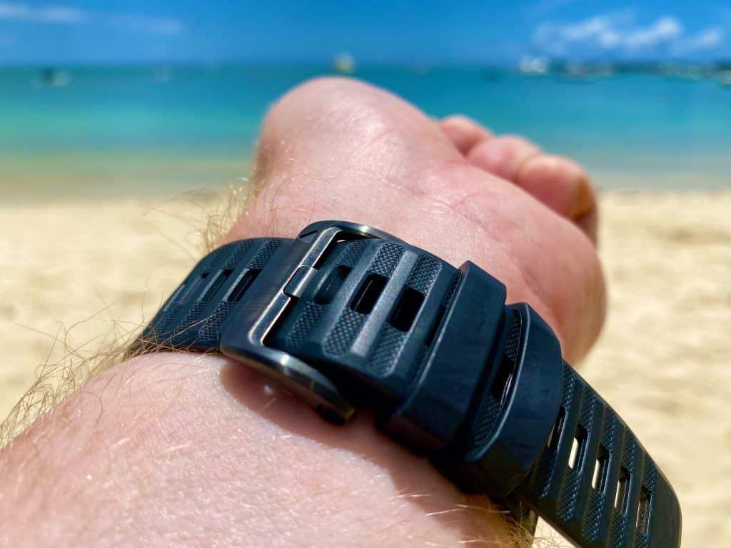 Das Armband der Smartwatch war mir anfangs zu weich – nach der Zeit gefiel mir das weiche Band besser als harte Varianten. Foto: Sascha Tegtmeyer