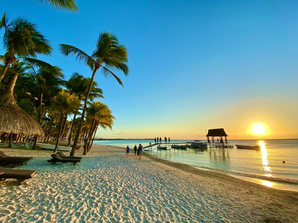 Sonnenuntergänge zum Wegträumen: die Insel bietet entlang der Westküste überall ein herrliches Farbenspiel in der Abenddämmerung. © Sascha Tegtmeyer